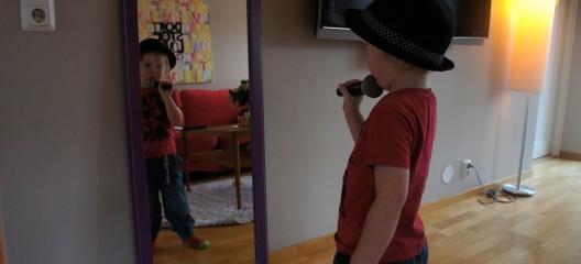 The man in the mirror heter inte Linus